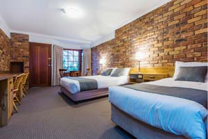 Deluxe Twin Suite at Montville Mountain Inn Resort